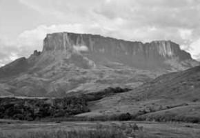 Венесуэла, загадочные провалы на плато