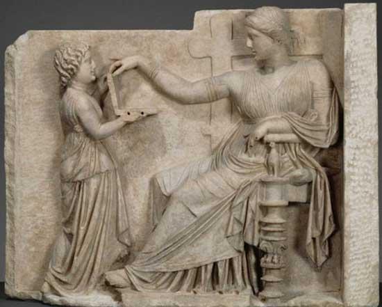 Древнегреческая скульптура и древний ноутбук, доказательство существования машины времени.