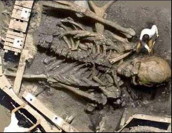 Великан древнего мира в руинах времени