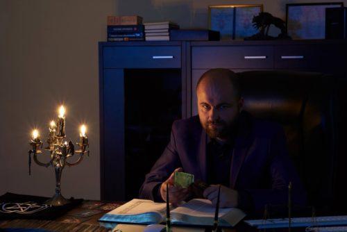 Ответы на вопросы дает черный колдун, глава Ордена Сатаны, Дмитрий Асмодей